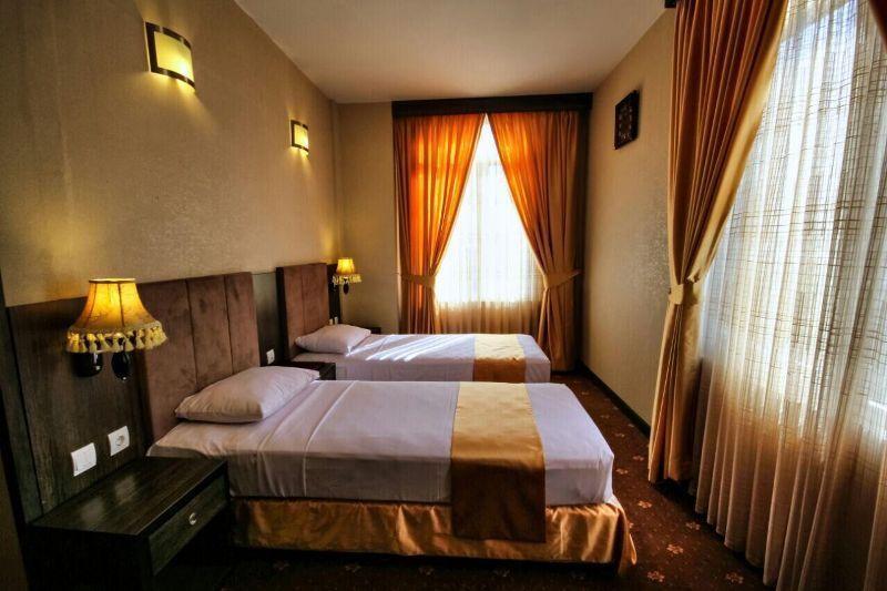 خبرنگاران دستور منع پذیرش مسافر به هتل های همدان ابلاغ نشده است